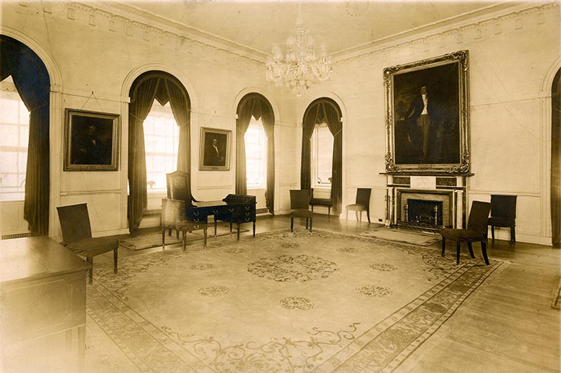 The Mayor's Reception Room after the Grosvenor Atterbury restoration, circa 1915. Photograph by Apeda NY.