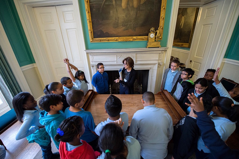 Fifth grade students from P.S. 165 in Manhattan tour City Hall.