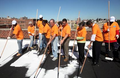 Captivating Mayor Bloomberg Coats One Millionth Square Foot Of White Rooftop As A Part  Of U003cemu003eNYC Serviceu003c/emu003e Cool Roofs Initiative | City Of New York
