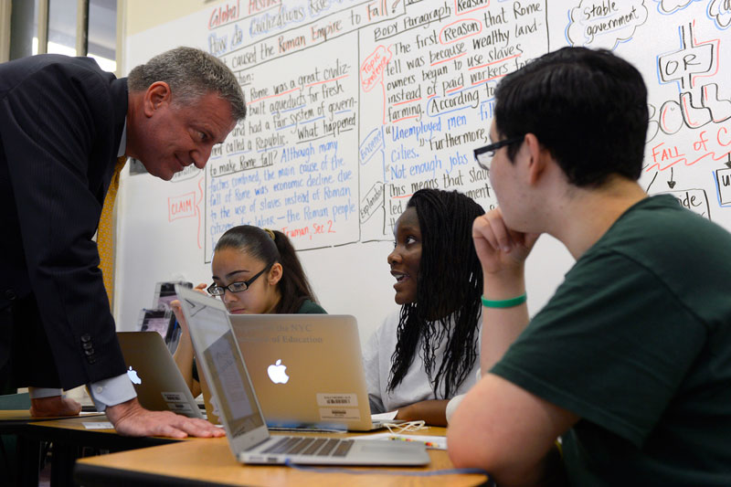 Mayor de Blasio Details Tech Investments in City Schools To Close Achievement Gap and Better Prepare
