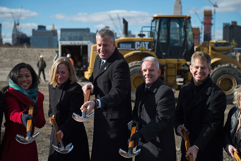 Mayor de Blasio and Queens Officials Break Ground on Hunter's Point South Phase II