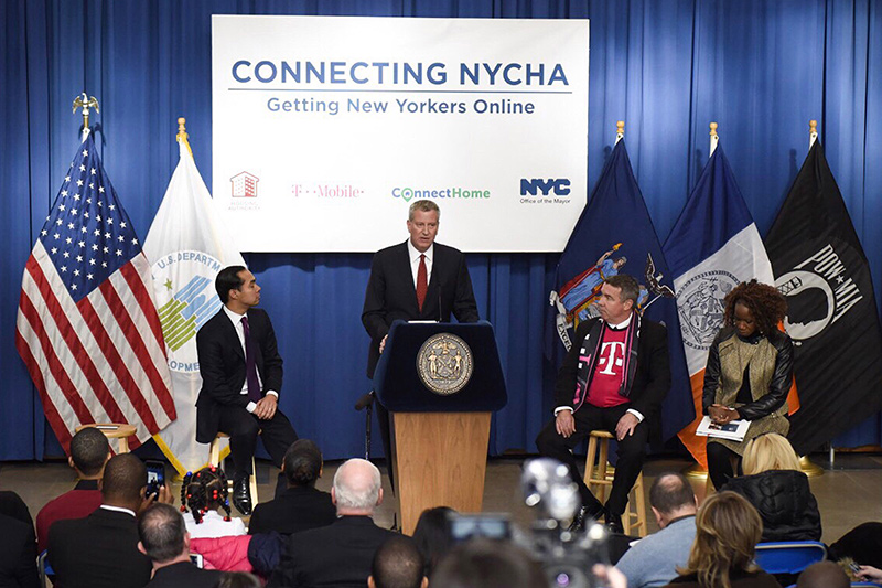 Mayor de Blasio Announces 5,000 Families in Public Housing to Receive Free Tablets and Internet