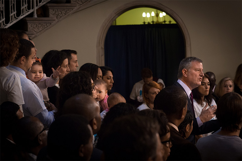 Mayor de Blasio Signs Paid Parental Leave Personnel Order for NYC Workers