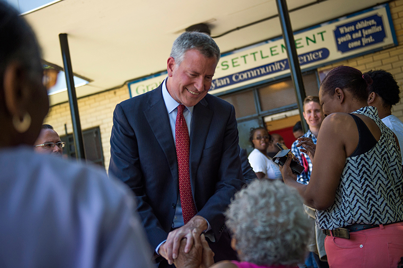 Mayor de Blasio Announces Completion of 305 New Safety Lights and Expanded Programs