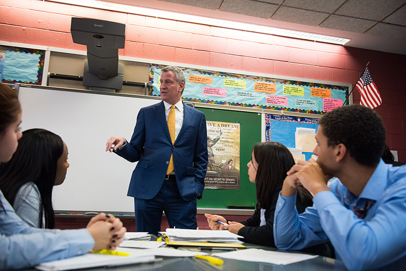 Mayor de Blasio, Chancellor Fariña Announce Highest-Ever Graduation Rate