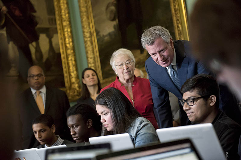 Mayor de Blasio and Chancellor Fariña Announce 115 More High Schools to Offer New Advanced Placement