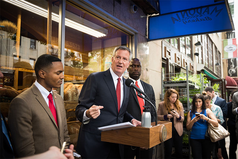 Mayor de Blasio Announces Small Businesses Seeing Fewer Fines, Opening Faster