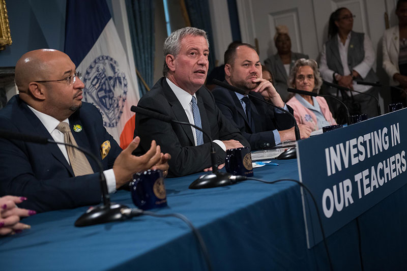 Mayor de Blasio Reach Tentative Contract Agreement for Early Childhood Education Employees