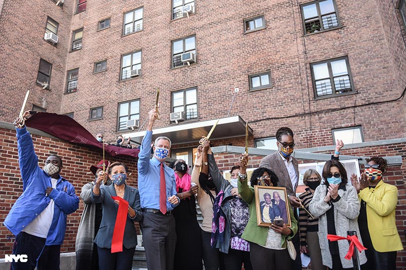 Mayor Bill de Blasio, City agencies and elected officials today cut the ribbon on the Marcy Houses C