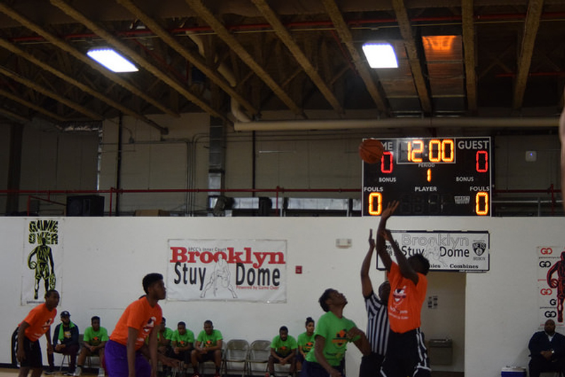 NeON Sports participants playing basketball