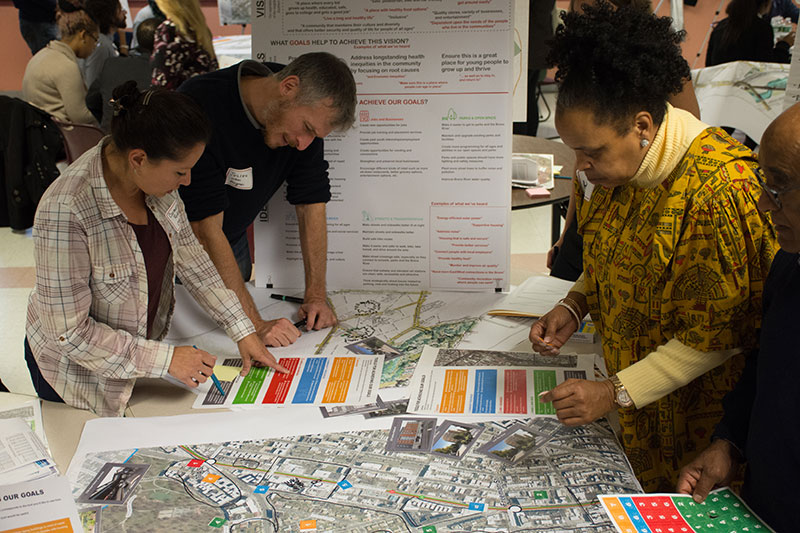 Workshop Participants engage in activities at the Southern Boulevard Visioning Workshop held on 10/20/2018 at Fannie Lou Hamer High School - photo 2